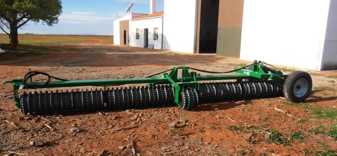 maquinaria agricola doblas